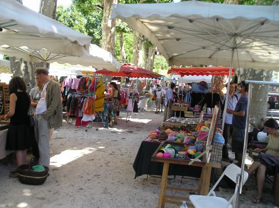 le marché du village de Lasalle
